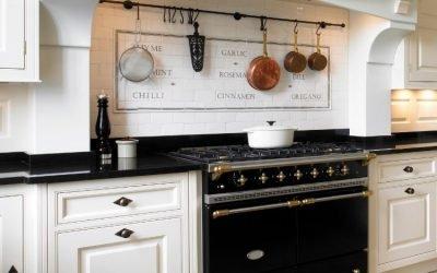 3 Designs to Consider When Choosing Kitchen Cupboard Handles